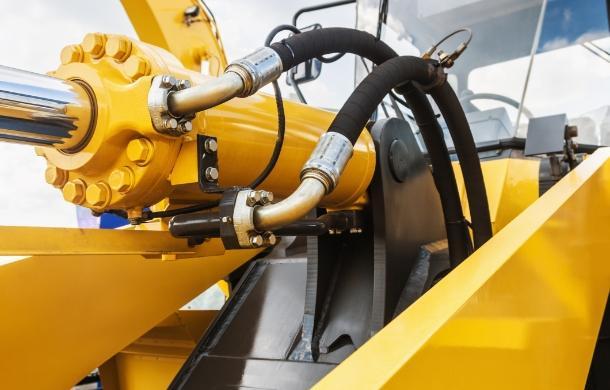 przewody pneumatyczne maszyny budowlanej